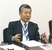 理事長 内田俊一 氏