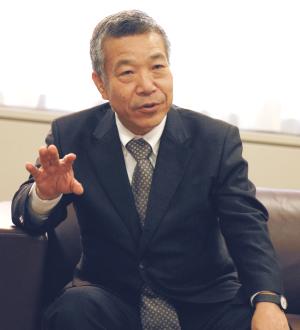 内田俊一理事長
